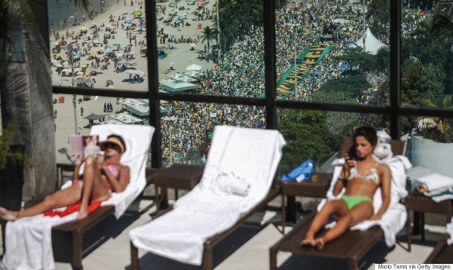 ブラジルで大統領の弾劾を求める190万人デモ オリンピックを前に深刻な経済危機