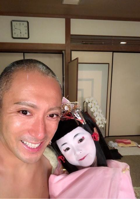 市川海老蔵、麗禾ちゃんと顔出し2ショット ファンから「麻央さんの面影が見えます」の声