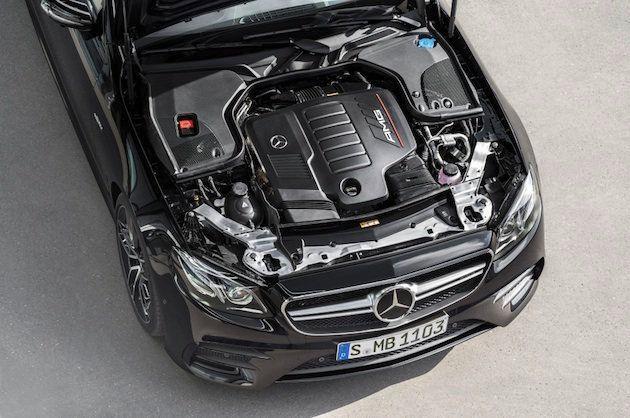 Mercedes-AMG E 53 4MATIC+ Coupé; Exterieur: obsidianschwarz metallic, Motorraum;Kraftstoffverbrauch...