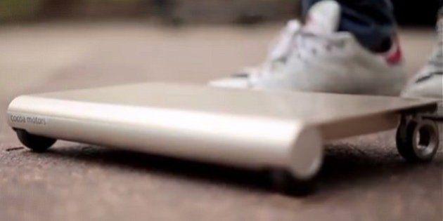 日本の学生が開発した、持ち運べる電気自動車「WalkCar」がすごい(動画)