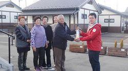 東日本大震災:復興公営住宅に消火器を提供