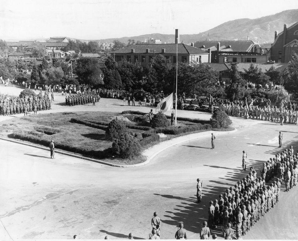 1945年8月15日、そのとき世界は モノクロ写真で振り返る