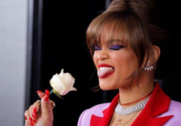 グラミー賞授賞式でアーティストたちの胸に「白いバラ」 セクハラ抗議への意思表明