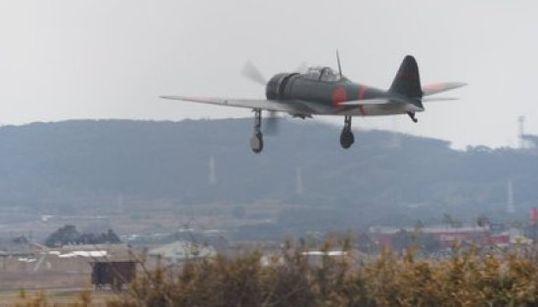 ゼロ戦が再び日本の空を舞う。里帰りした機体が初飛行(画像集)