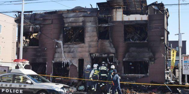 火災で11人が死亡した自立支援関連施設「そしあるハイム」=2日午前、札幌市東区