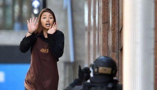 シドニー人質事件 緊迫の現場写真