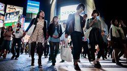香取慎吾さん、歩きスマホに警鐘 「スマホに夢中で赤信号を堂々と渡る人を見た」