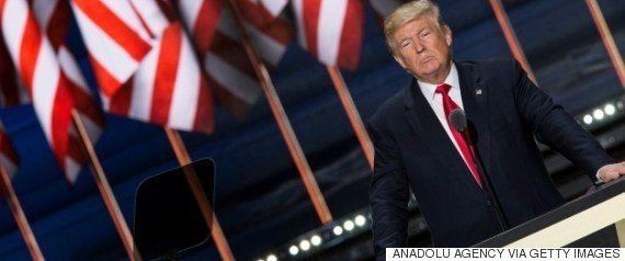 マイケル・ムーアが投稿した「選挙に負けた今やるべき5つのこと」、16万人以上がシェア