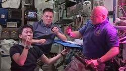 油井亀美也さん、初めて宇宙ステーションで栽培した野菜を食べる
