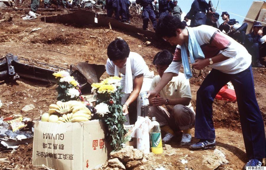 日航ジャンボ機墜落から30年 当時の写真で振り返る