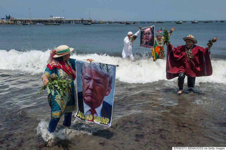 ペルーで呪術師らがアメリカ大統領選の勝敗を占う 結果は...?(動画)