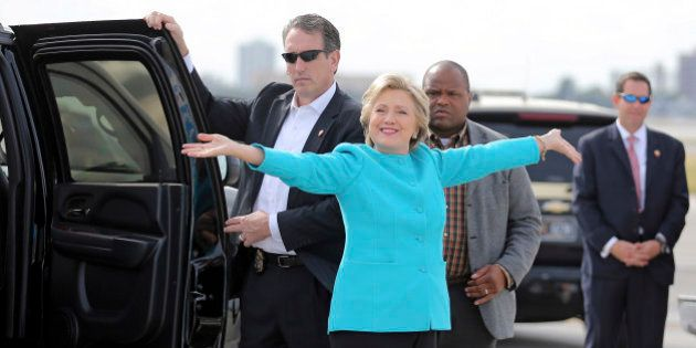 FOR STORY MOVING SUNADY NOV 6TH 0600EDT/1100GMTU.S. Democratic presidential candidate Hillary Clinton...