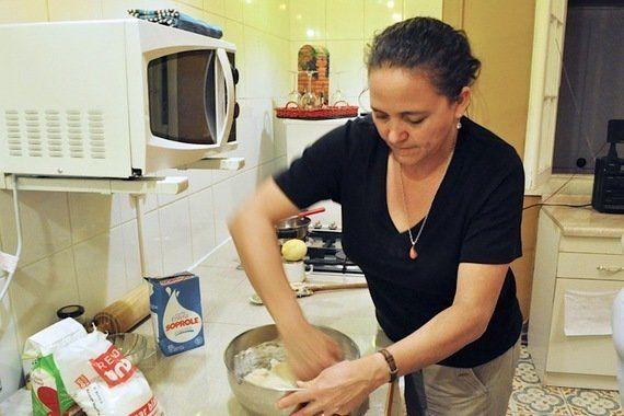 南米・チリで突撃取材!サンティアゴのお母さんに習う「ドキッ」とする郷土菓子!?【