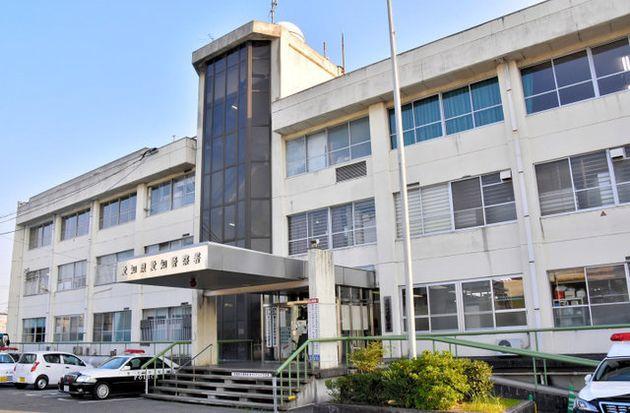 殺人未遂の疑いで事件を調べている愛知県警愛知署=愛知県東郷町