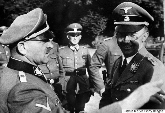 欅坂46の衣装が「ナチスそっくり」