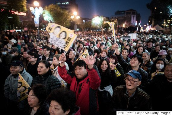 台湾デスメタルバンドのボーカル、国会議員に初当選 なぜ?(画像)