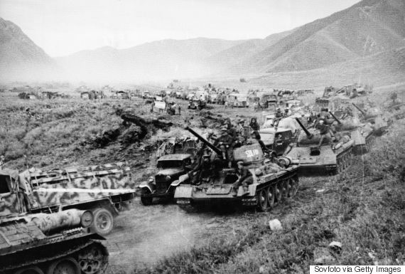 満州に侵攻するソ連軍