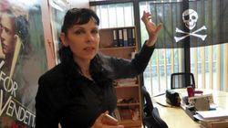 アイスランド海賊党、総選挙で第一党をうかがう 元ウィキリークスの活動家が党首