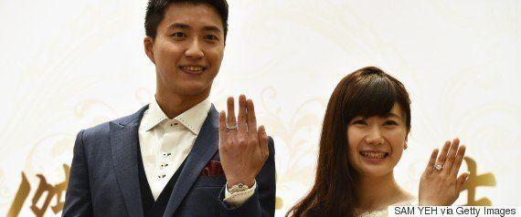 福原愛さん台北で披露宴 紫色のドレスで会見【画像集】
