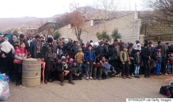 封鎖されたシリアの町、飢餓に苦しむ子供たちに3カ月ぶりの支援物資