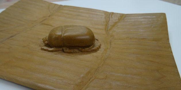 辻さんが高校時代に制作した木彫の作品