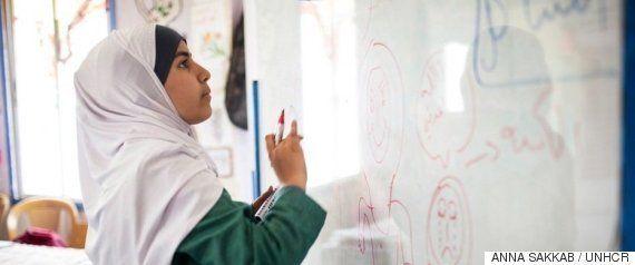 「アフガンの少女」難民の苦境を象徴する写真のモデル、不正身分証で逮捕