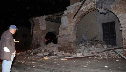 イタリアで再び強い地震「人々は通りで叫び、電灯は消えた」(画像集)