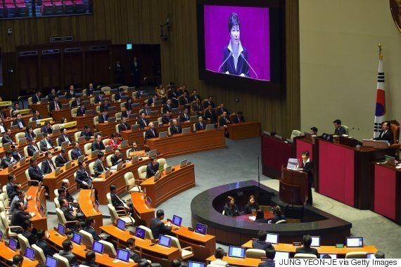 韓国・朴槿恵大統領は「国政運営力が崩壊」