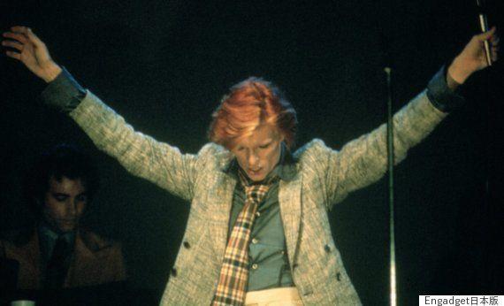 追悼デヴィッド・ボウイ 音楽の世界にSFとファッションを融合させた男