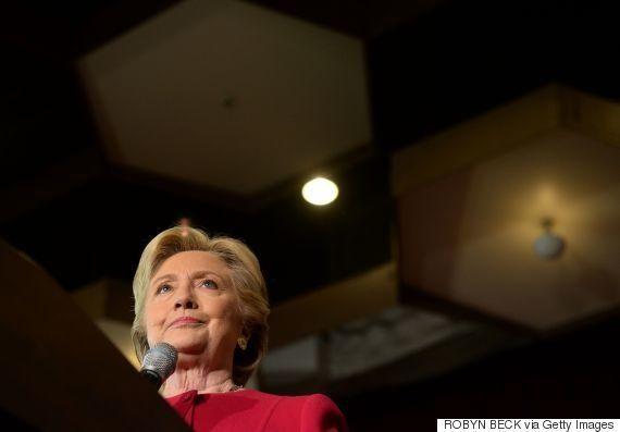 クリントン陣営、私用メール問題でオバマ大統領の動きを警戒していた ウィキリークスで発覚