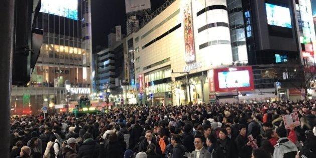 渋谷駅前で年越しカウントダウン 初の歩行者天国が大賑わい(動画・