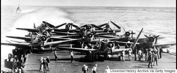 神風特攻隊が初戦果 米空母「セント・ロー」撃沈から72年(画像集)