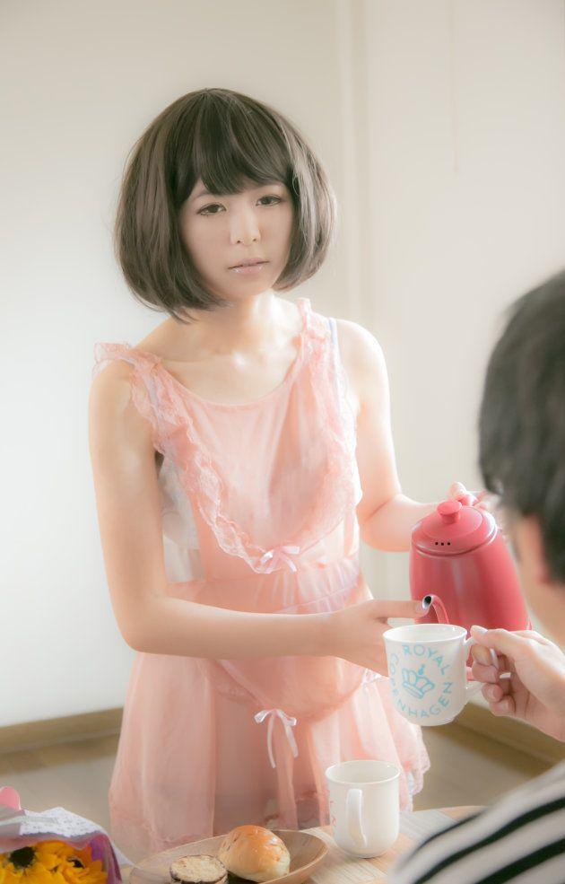 「人形は理想形」女性が自らラブドールに変身する理由とは?