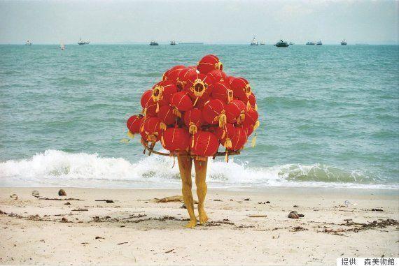「サンシャワー」、顔で笑って心で泣いてる。東南アジアの熱気と葛藤が、私たち日本人をハッとさせる