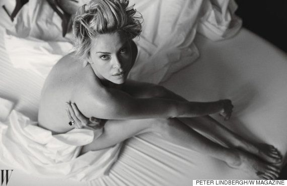 シャーリーズ・セロンが美ヌード披露 マッドマックスについて語る