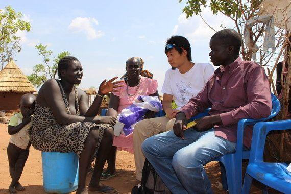 「この力強さはどこから来るのか...」紛争で親を失った孤児7人の面倒を見る23歳女性