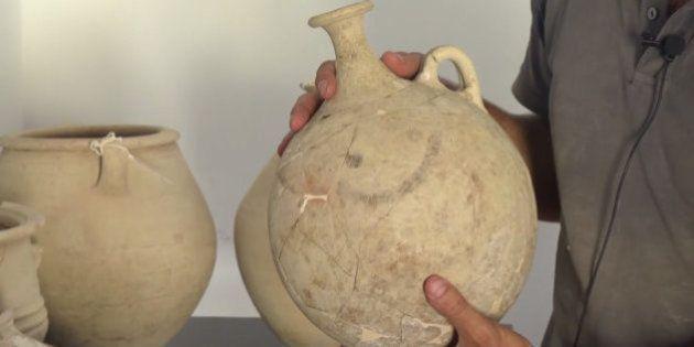世界最古のスマイルマーク?3700年前のヒッタイトの壺が出土