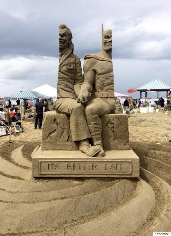 これが砂で作られているって?「バットマンとジョーカー」砂の彫刻が迫力満点