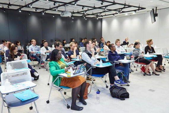 サイボウズ式:長時間労働の原因は、日本独特の「助け合いの職場文化」にあるのか?──ダボス会議「ヤング・グローバル・リーダーズ」との議論から