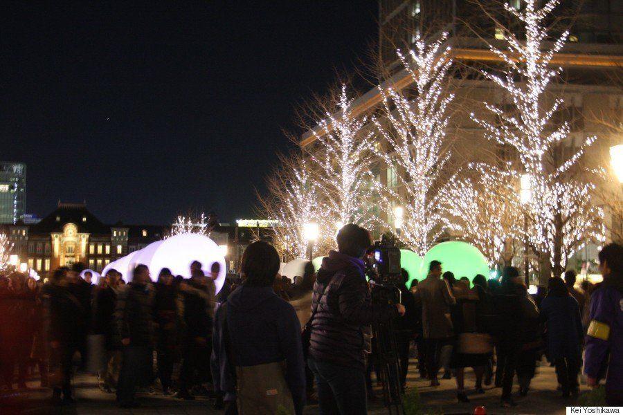 青に染まった聖夜の渋谷、LED55万個がケヤキ並木を彩る(画像・動画)