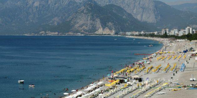 トルコ有数の観光地アンタルヤにロケット弾 最も治安が安定していた地域に何が