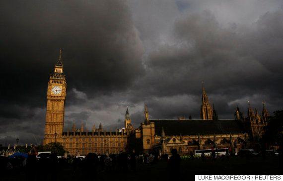 ハード・ブレグジット=強硬なEU離脱に進むのか イギリスに迫る「恐ろしいほどのダメージ」とは