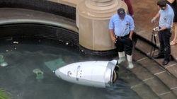 警護ロボット、池に身投げか。ショッピングモール巡回中、アシモフの「3原則」破る?