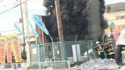 東京で大規模停電、一時35万軒 埼玉の東電施設から激しい黒煙【UPDATE】