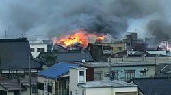 新潟・糸魚川市の大火災鎮圧 約140棟が延焼