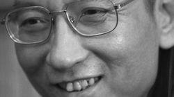 中国:民主活動家 劉暁波氏が拘禁中に死亡