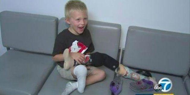 義足を盗まれた4歳少年に心温まるプレゼント 支援の輪が広がる