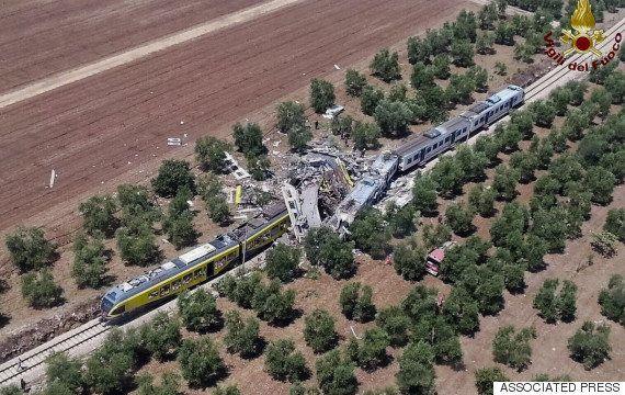 イタリア南部プーリア州で列車が正面衝突、25人死亡 生存者「地獄そのものでした」(画像)