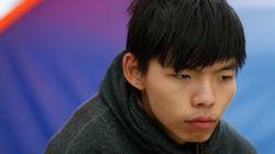 香港デモ、発起人が「降伏」