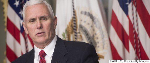 FBI長官、トランプ大統領とロシア政府の関係を調査していると公式に認める